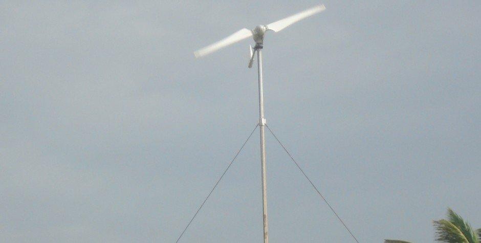 turbina eólica en movimiento