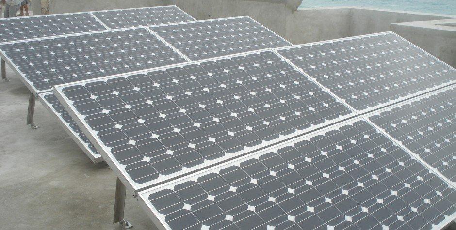 montaje de paneles solares